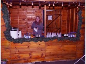Glühweinstand Weihnachtsmarkt