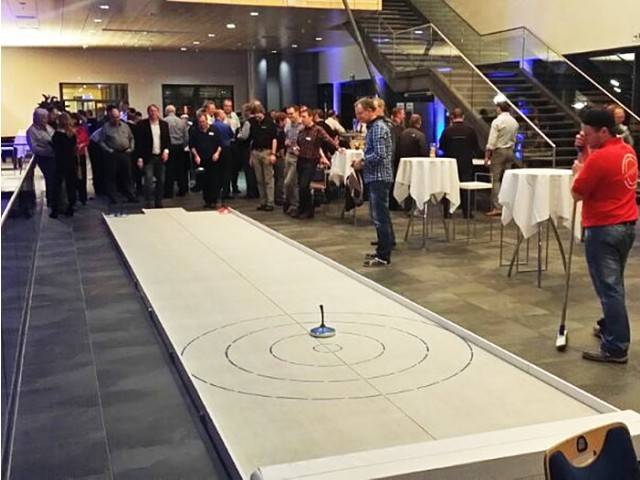 Eisstockschießen Berlin Weihnachtsfeier.Eisstockschießen Curling Mieten Berlin Brandenburg