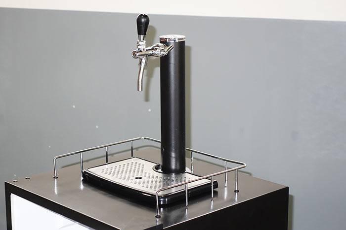 Siemens Kühlschrank Verdunstungsschale Reinigen : Bierfass kühlschrank mit zapfanlage gebraucht kühlschrank