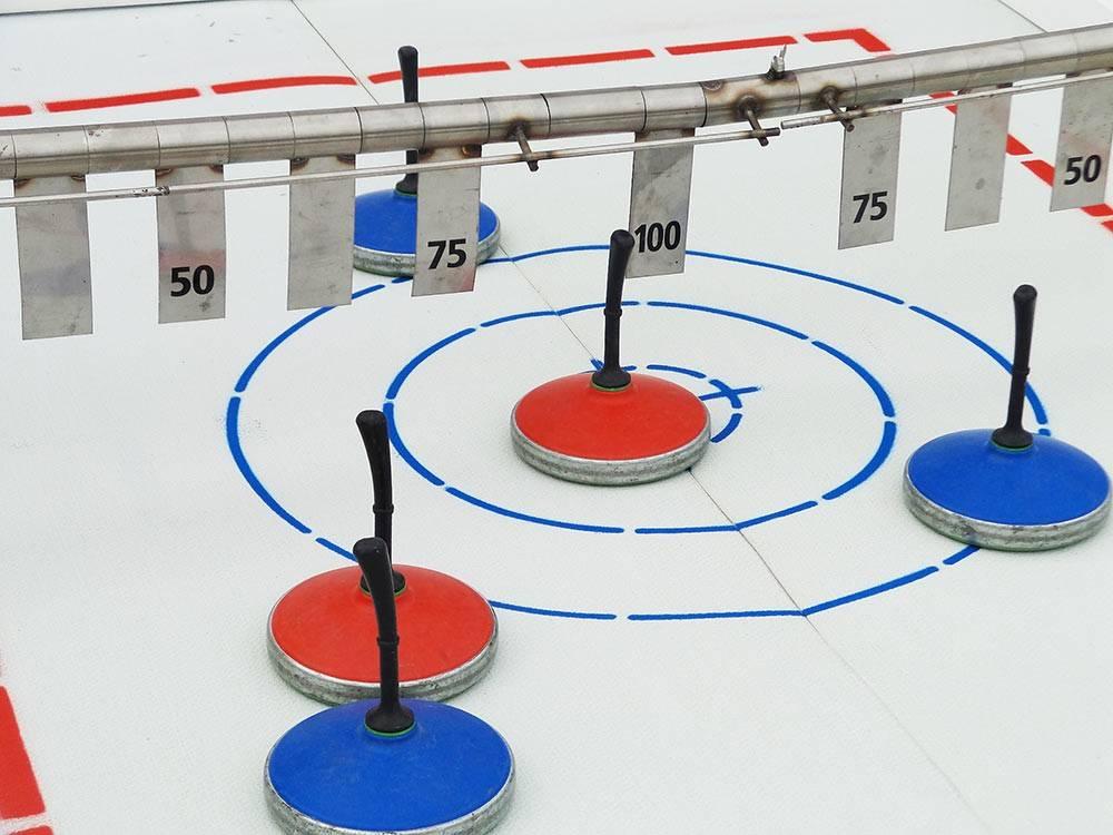 eisstockschie en fun curling mieten berlin brandenburg. Black Bedroom Furniture Sets. Home Design Ideas