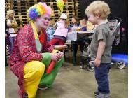 Kinder - Clown Elmo