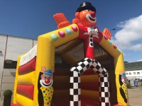 Hüpfburg clown